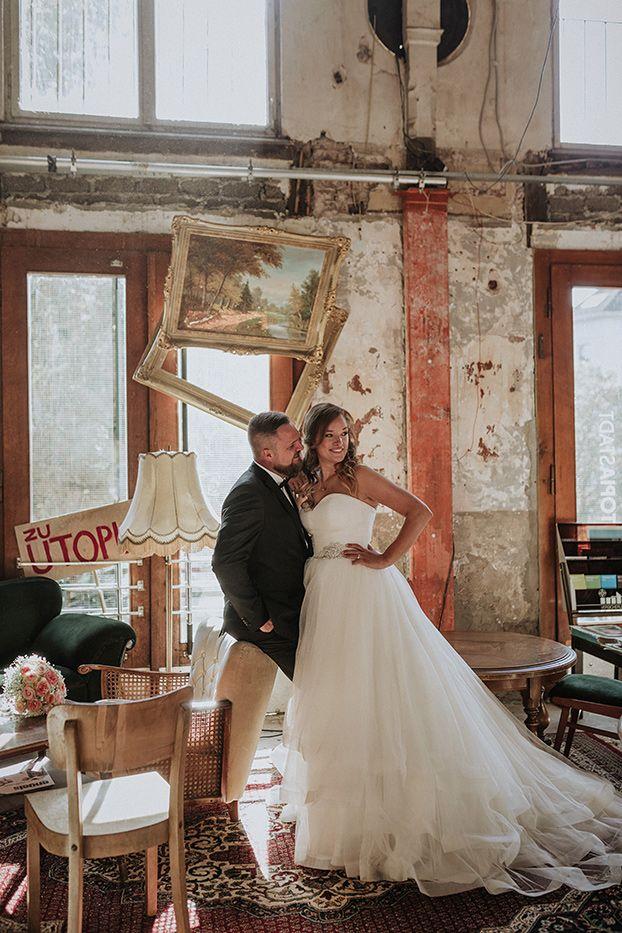 hochzeit_reportage__hochzeitsfotografin_lumoid_nadine_lotze_hagen_ruhrgebiet_wuppertal_mirker_bahnhof_utopiastadt_urban_shabby_after_wedding